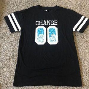 Men's T-shirt lots of 5...negotiable.
